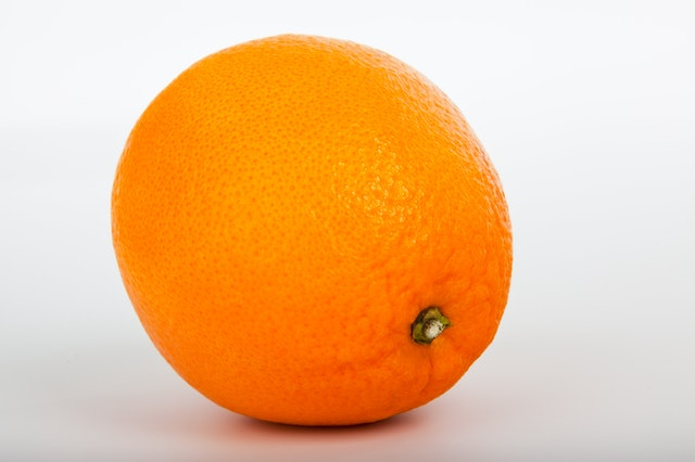 Une orange, riche en vitamine C
